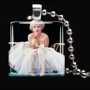 Original handmade necklace glass Marilyn Monroe